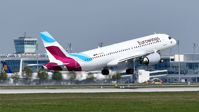 Eurowings Airbus A320 Take Off in München