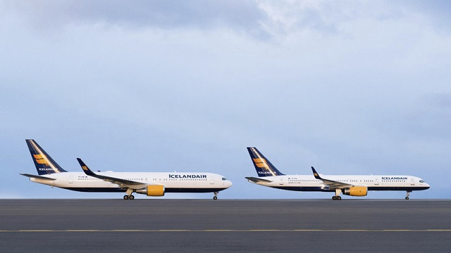 Icelandair Boeing 767 with Boeing 757