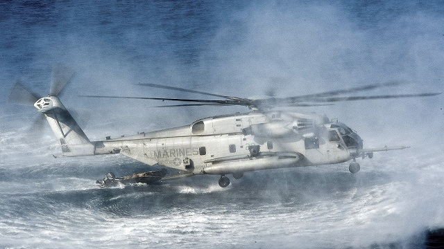 US Marine Corps CH-53E Super Stallion