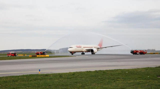Air India Dreamliner Wien