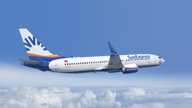SunExpress Boeing 737-8